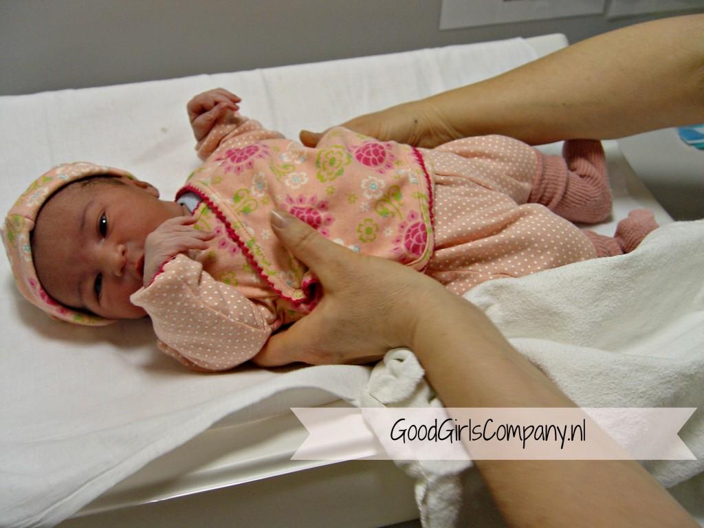 Geboorteverhaal-Miss B-GoodGirlsCompany-Geboortenis-bevallen in Rijnstate-geboorte