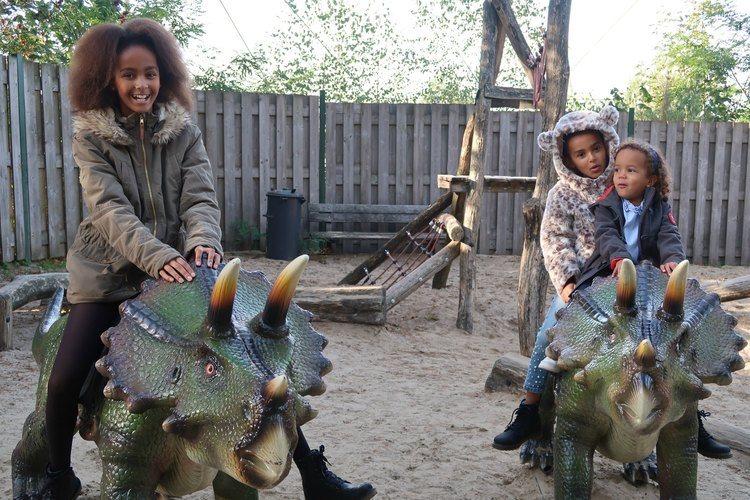 Familievlog-24-Dinos-kijken-in-Burgers-Zoo.jpg