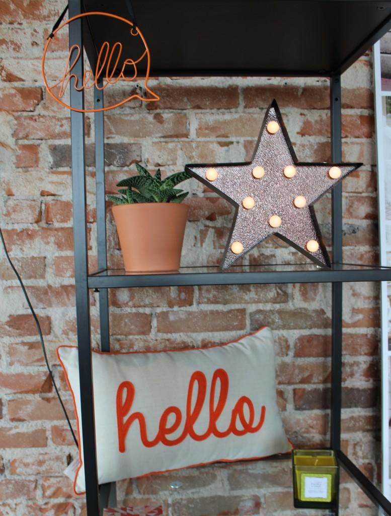 Primark AW15-GoodGirlsCompany-interieur-Primark herfst wintercollectie 2015-hello kussen