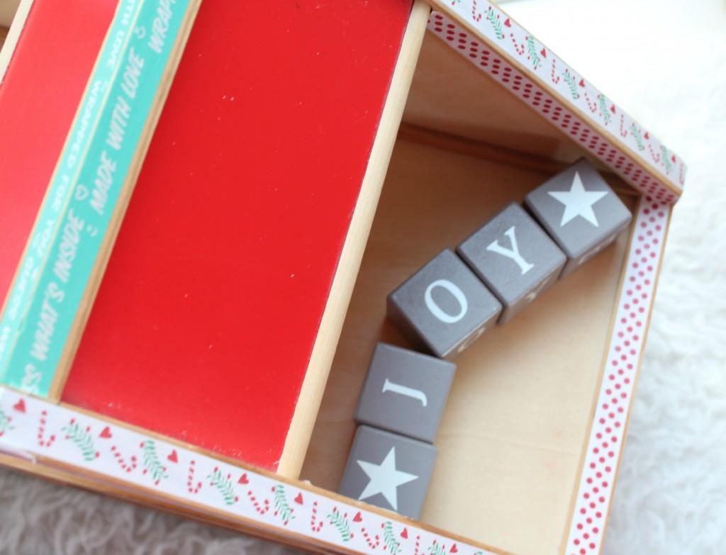 kersthuisje-leuke kerst DIY-GoodGirlsCompany-GoodGirlsChristmas-Joy to the world