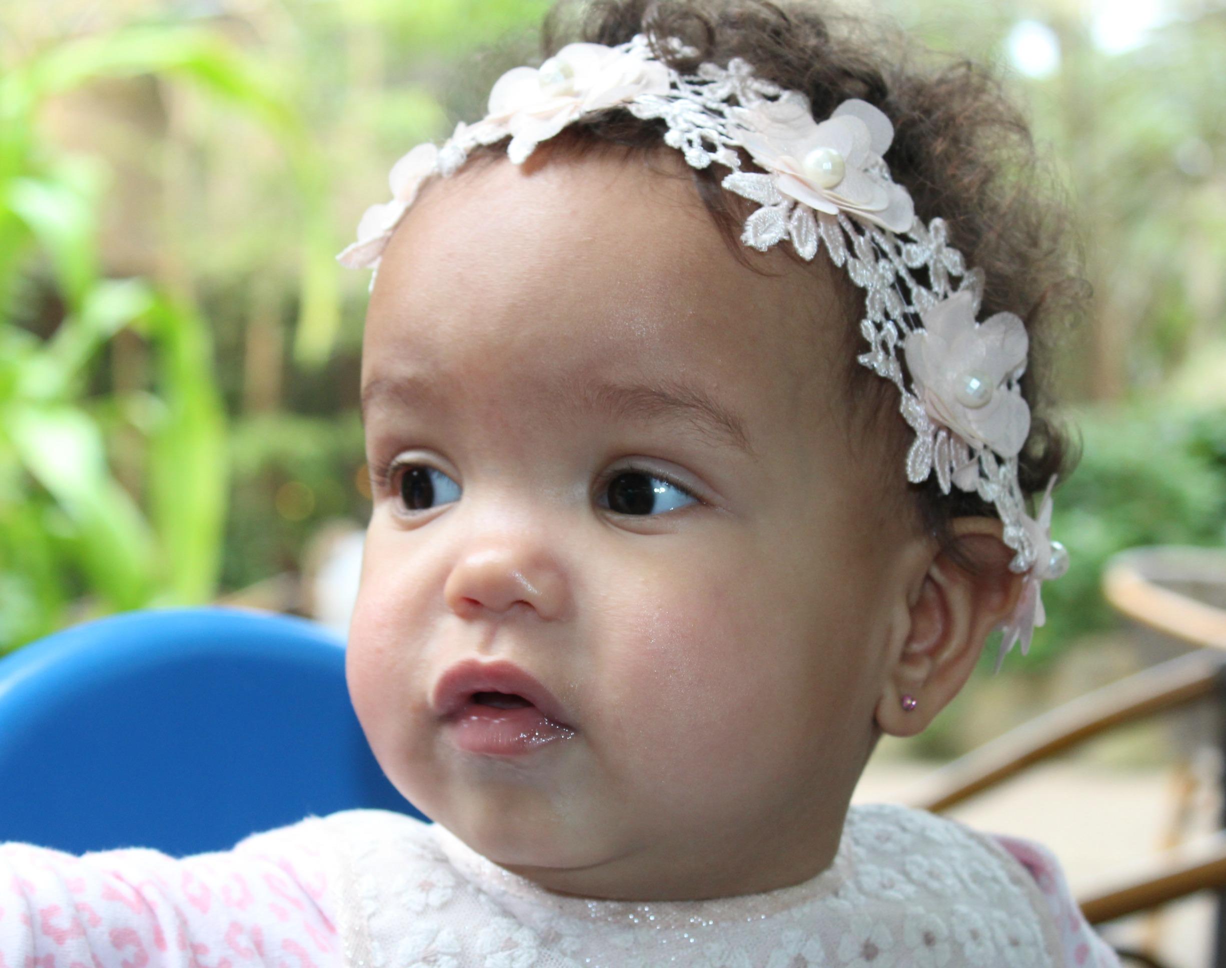 Wanneer oorbellen schieten bij baby-GoodGirlsCompany-gaatjes schieten bij baby