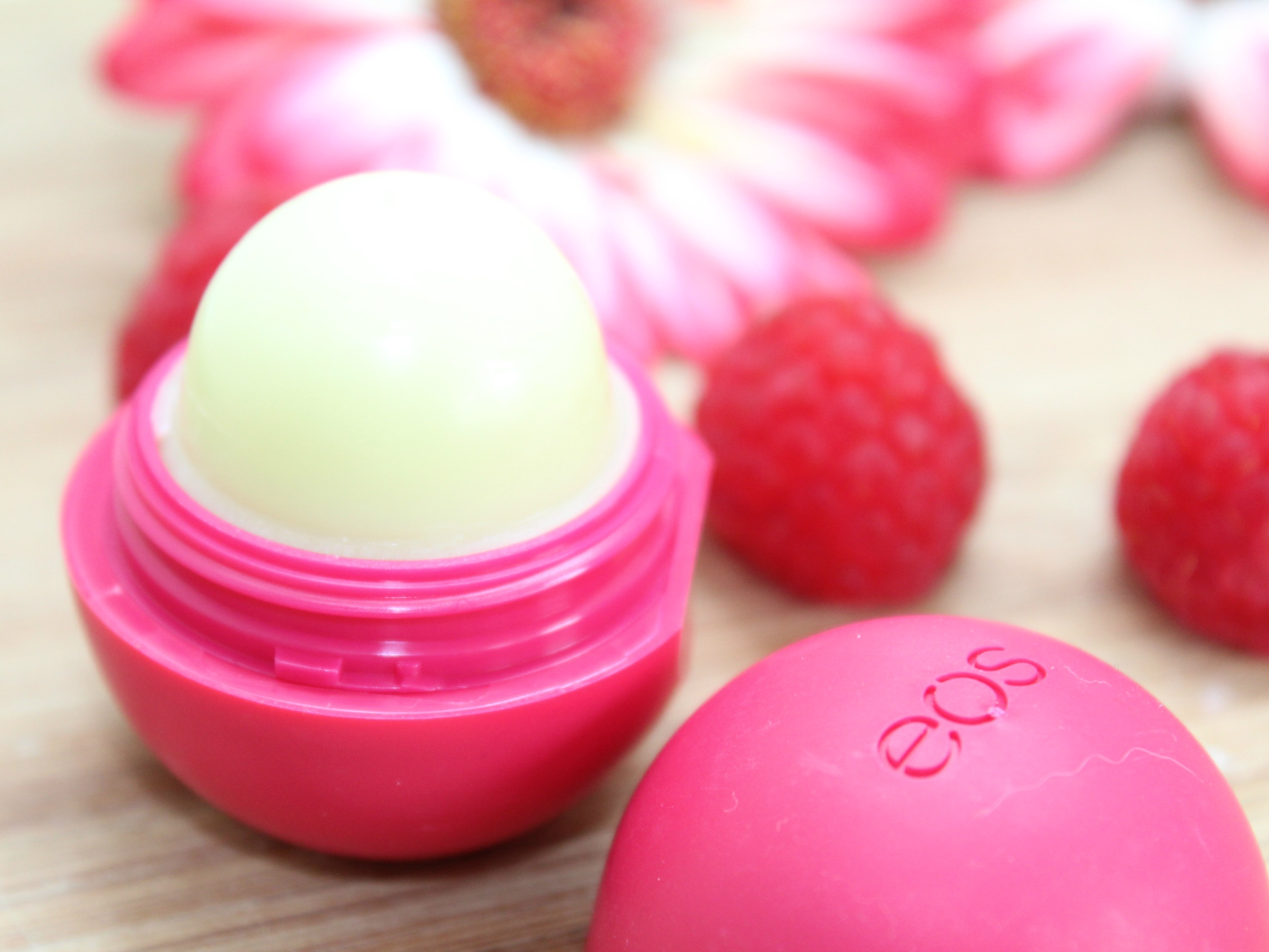 EOS Pomegranate Rasberry lipbalm-GoodGirlsCompany-review