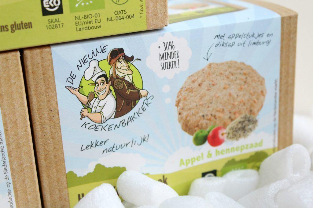 De-Nieuwe-Koekenbakkers-Haver-Kruimelkoek-Appel-Hennepzaad-GoodGirlsCompany