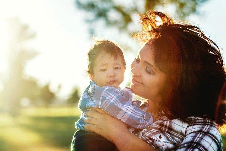 Ook_met_15_jaar_kan_je_een_goede_moeder_zijn_GoodGirlsCompany
