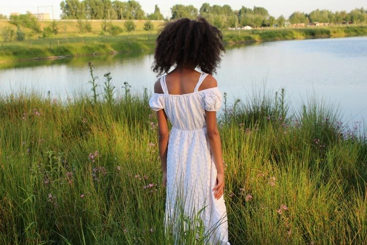 Witte_maxi_jurk met_broderie_van_Zara_GoodGirlsCompany
