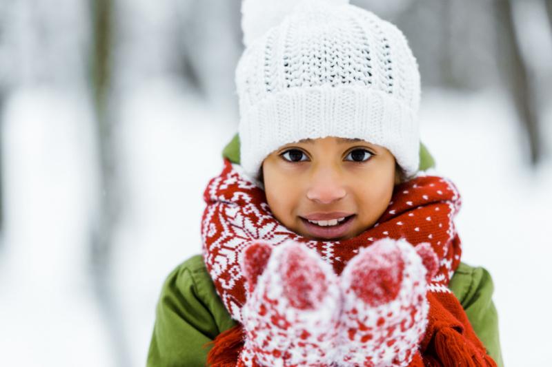 Spelen-in-de sneeuw-12-sneeuwactiviteiten-voor-kinderen